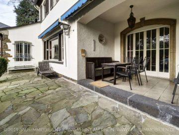 Repräsentative Villa im Englischen Landhausstil mit großem Garten und Garage, 56598 Rheinbrohl, Villa